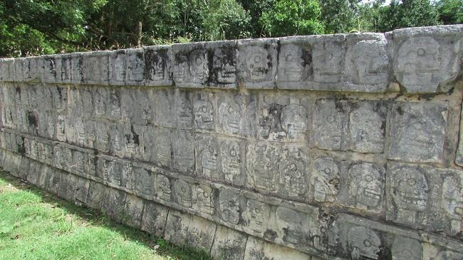 plataforma craneos chichen Itzá